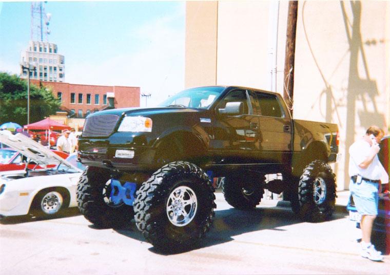 Truck tires big truck tires photos of big truck tires publicscrutiny Images