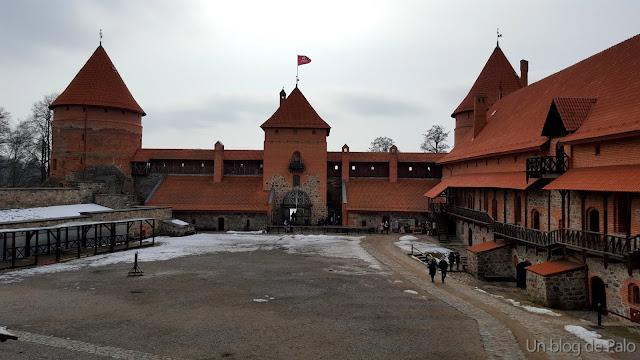Patio de armas del Castillo de Trakai