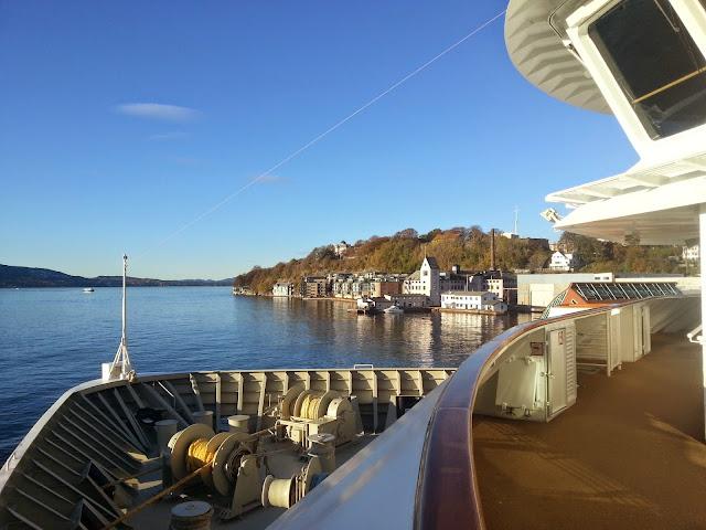 Hurtigruten MS Trollfjord - Promenade Deck