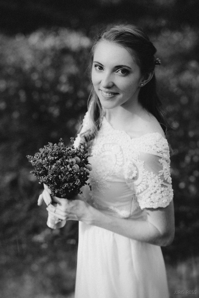 vieglas kāzu kleitas lavandu pušķis