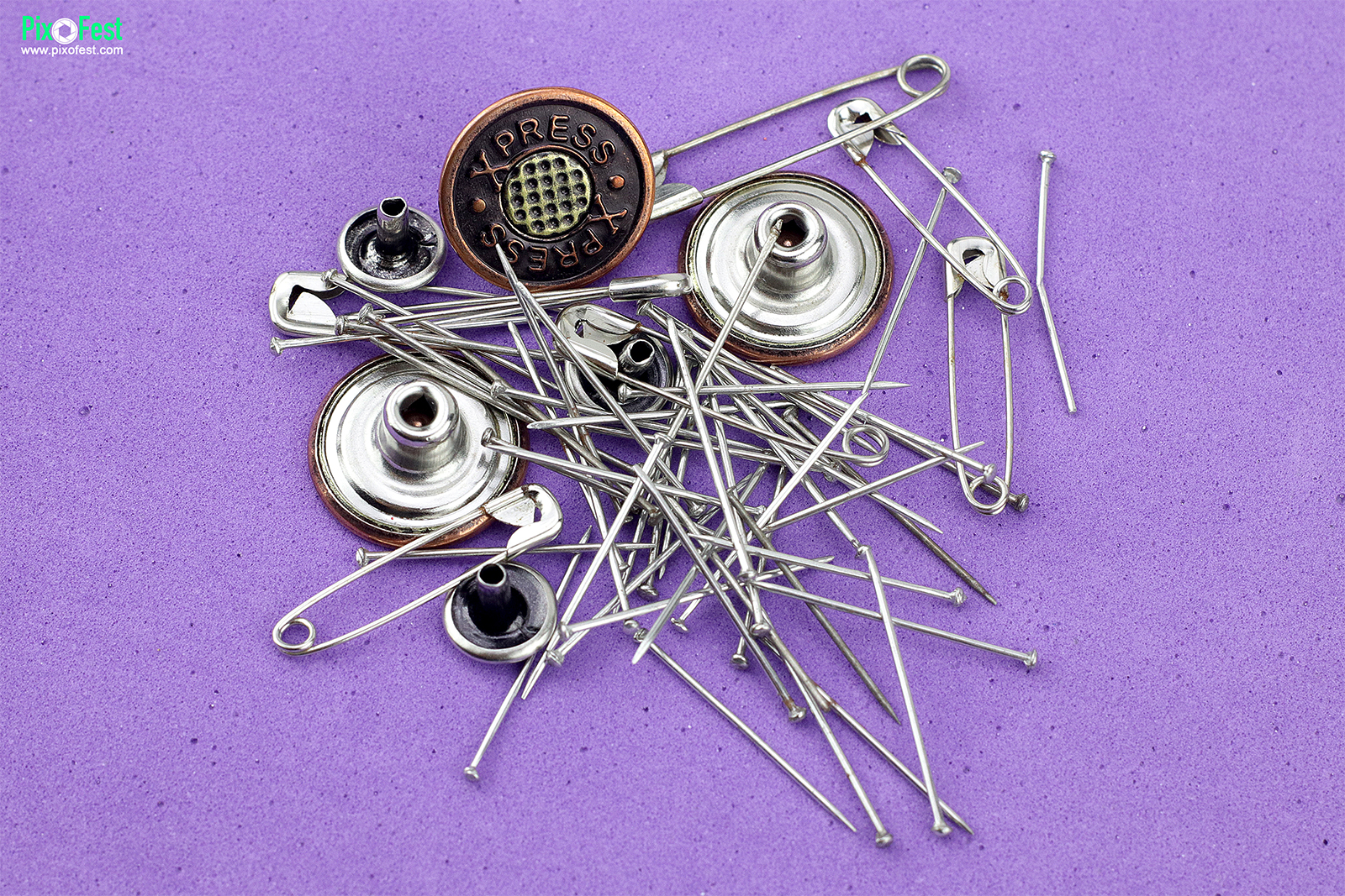 Pin and Button_01, Pin, Clip, safety pin, jeans botton, metal buttons