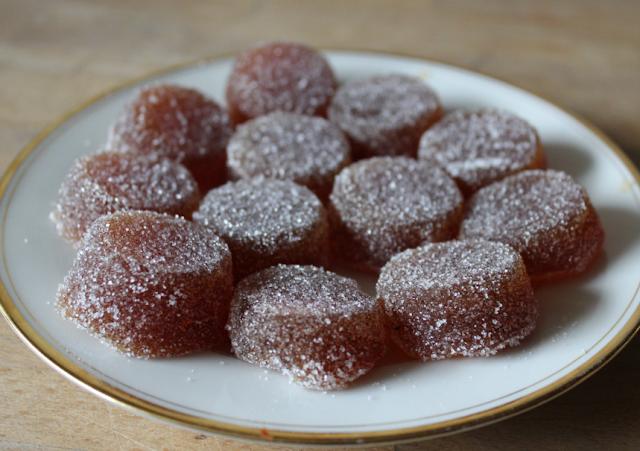 https://cuillereetsaladier.blogspot.com/2013/03/pates-de-fruits-la-pomme-et-au-citron.html