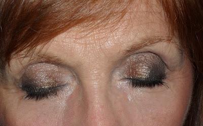 Imagen Ojos cerrados look Star Laisa