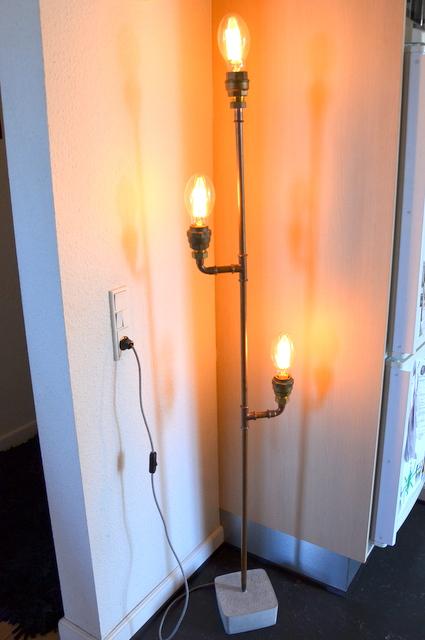 Standerlampe-DIY-Kobbrerør-kobberlampe-GørDetSelv