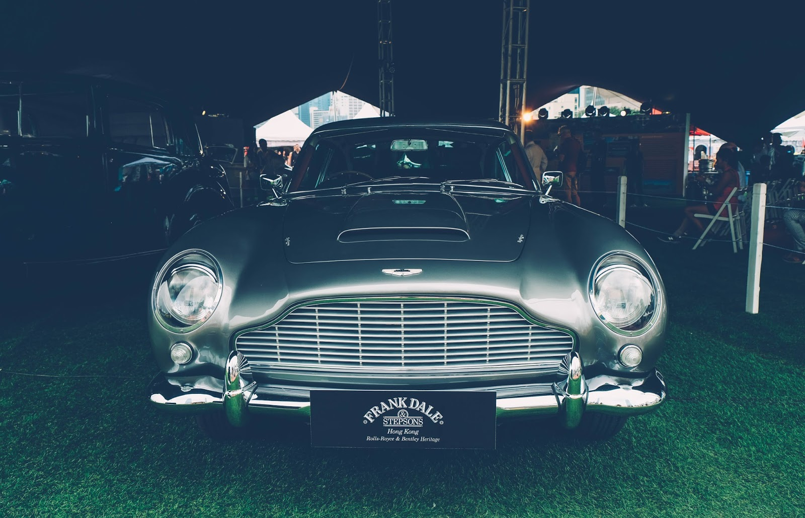 Aston Martin DB5 , 007, bond car
