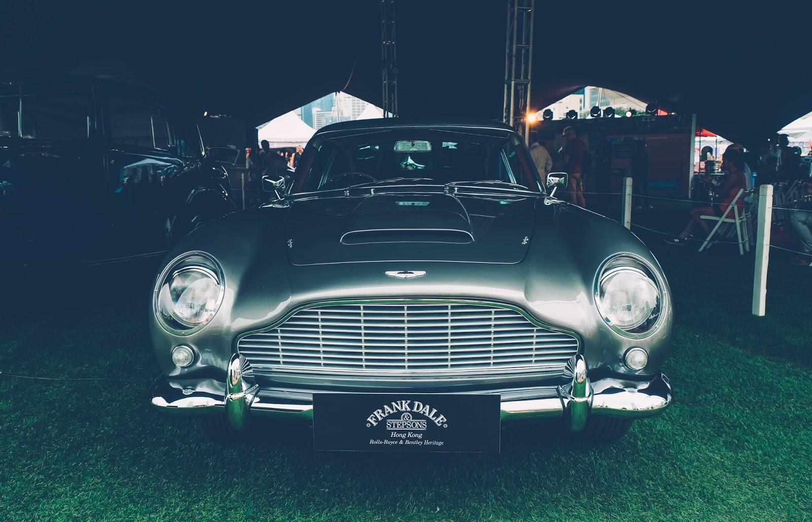 Aston Martin DB5 , 007, bond car