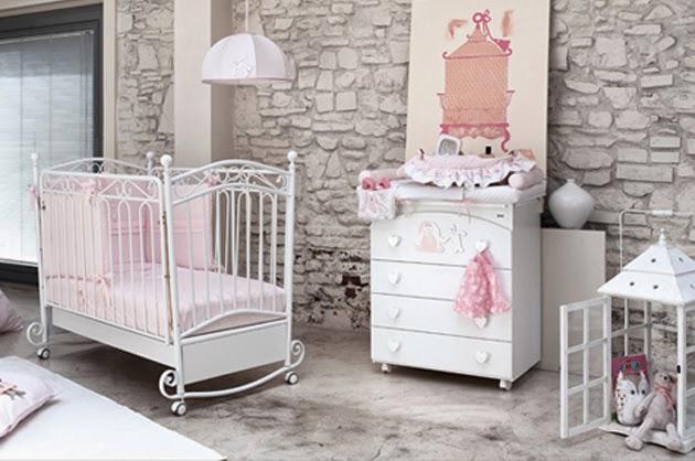 cuarto de bebé rosa y gris