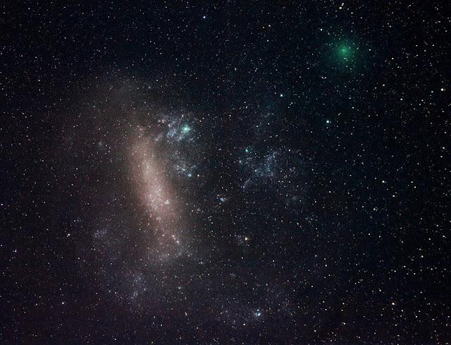 Sao chổi Comet 252P/Linear và Đám mây Magellan lớn. Tác giả : Justin Tilbrook (Astronomical Society of South Australia).