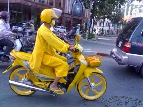 Xe gắn máy và quái nhân VietNam 6