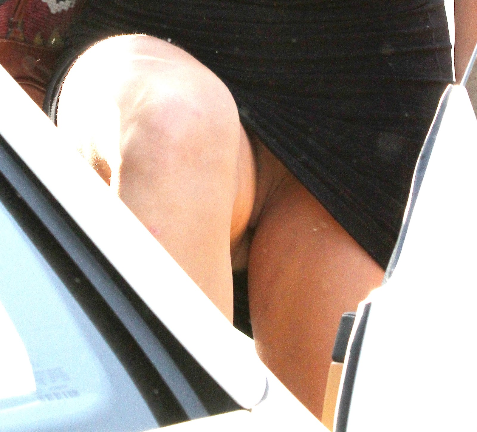free pictures of miley cyrus upskirt jpg 422x640