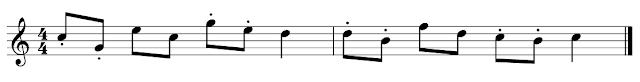 Un trocito de partitura con y sin staccatos