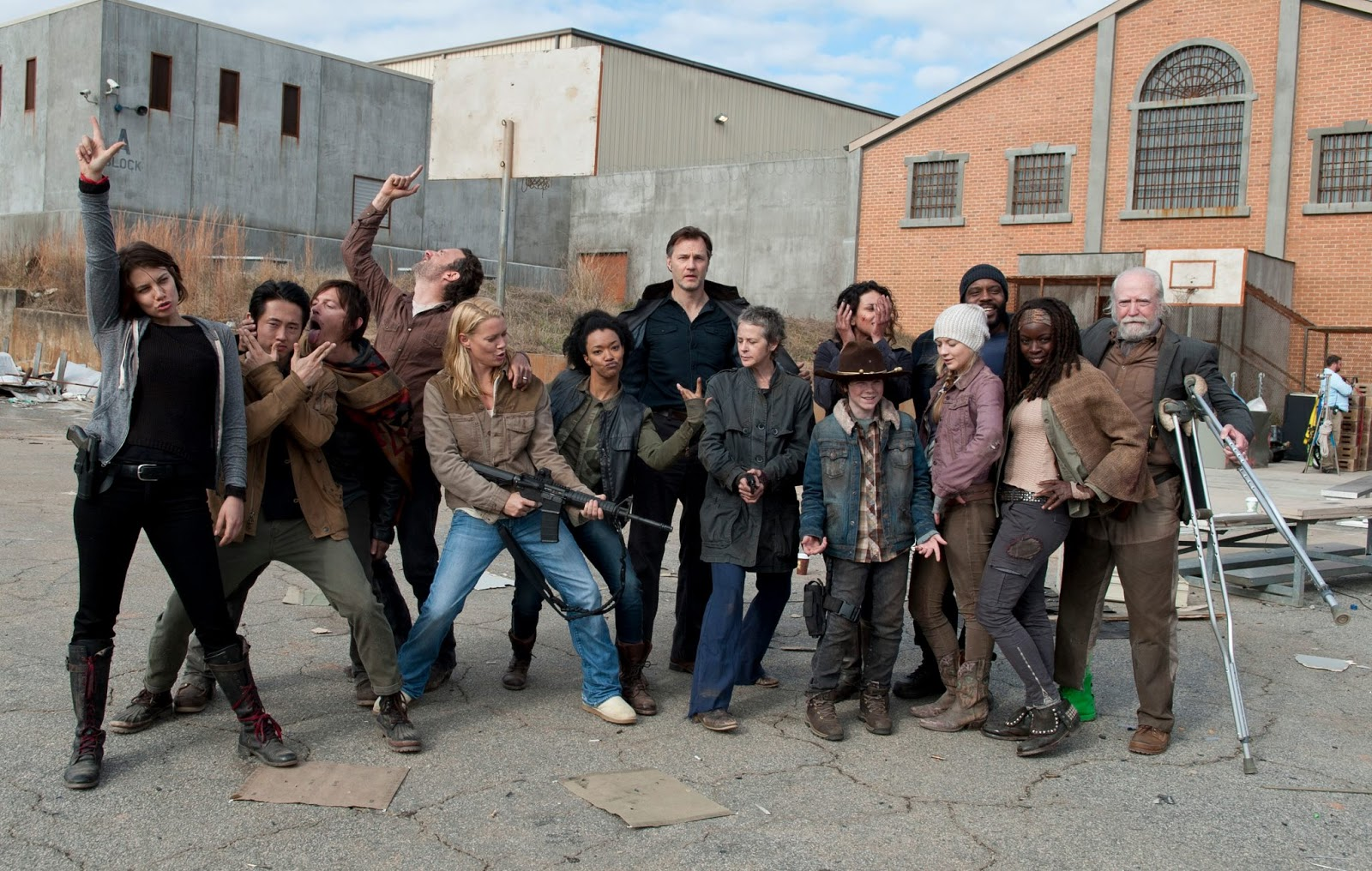 El reparto de The Walking Dead, en un gracioso posado durante la tercera temporada