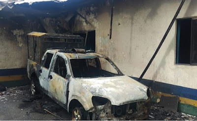 See Vehicles Destroyed After Naval and Police Officers Clashed Killing 10 People in Calabar