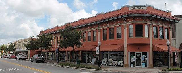 Edificios en el centro de la ciudad de Sebring