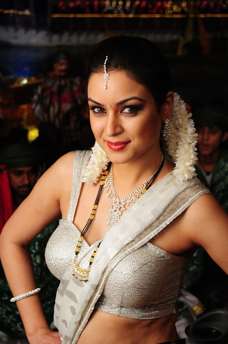 maryam zakaria spicy in love