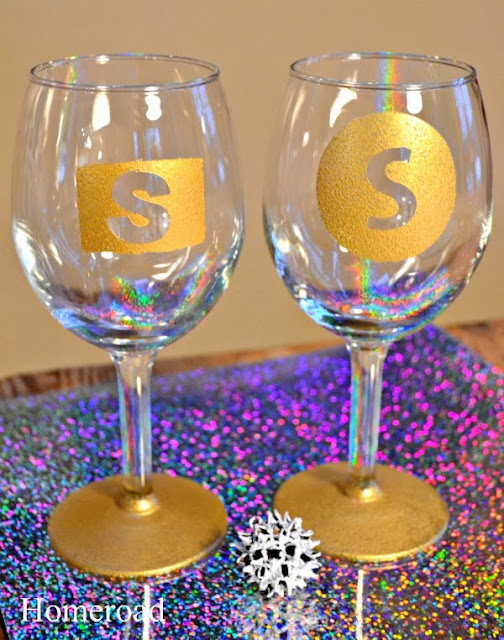 New Years Monogrammed Wine Glasses www.homeroad.net