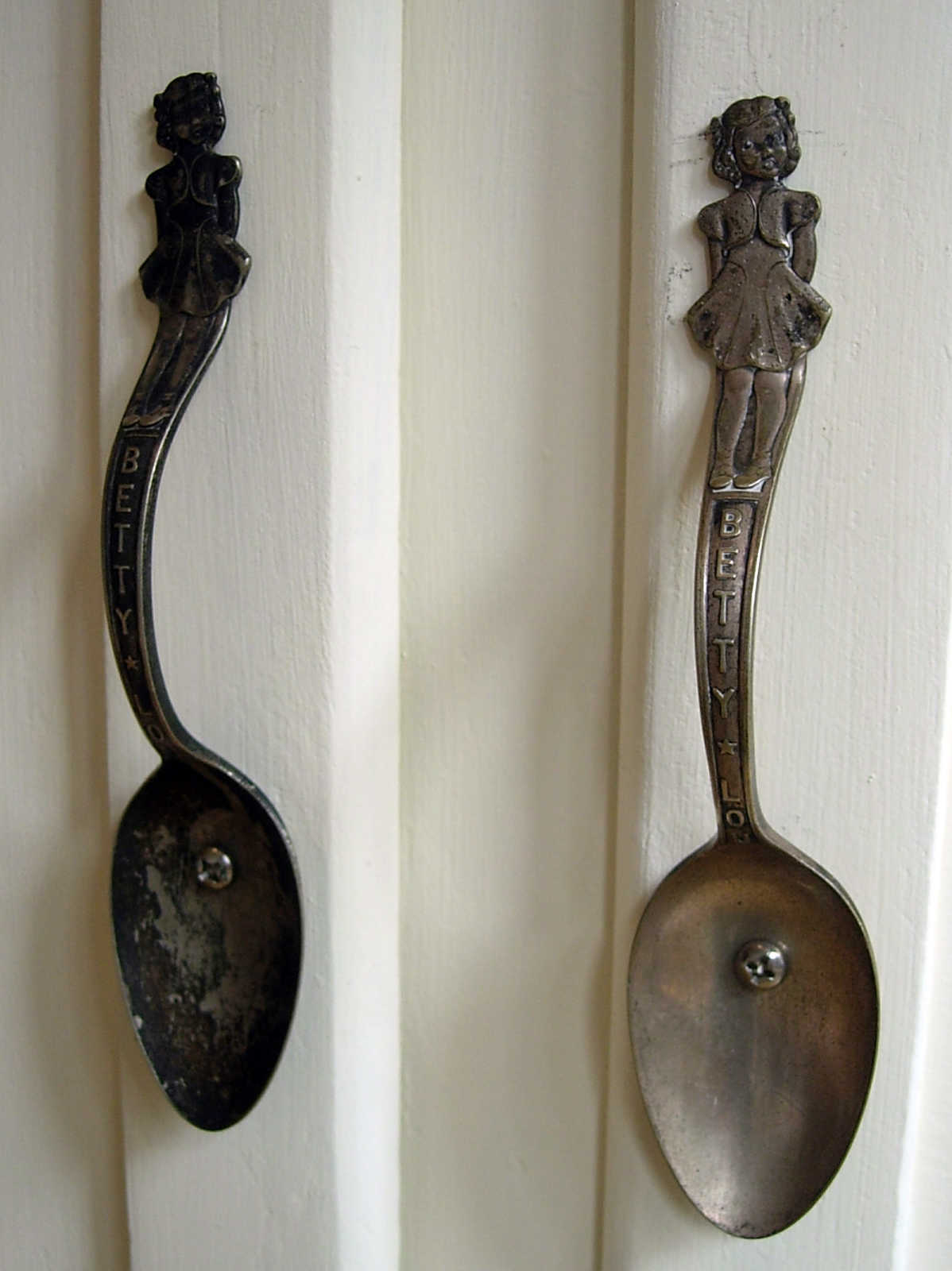 hutch studio: Lovin Spoon Pulls