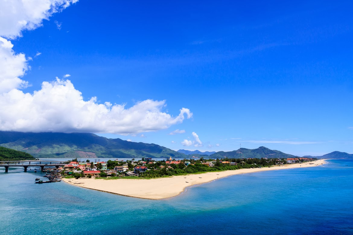 Lang co Beach, private car from hue to hoi an 1 day, private car from hoian over Hai van pass to Hue, private car over Hai van pass  from hue