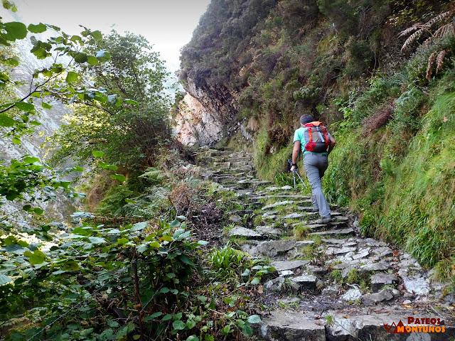 Desfiladero de Los Arrudos: El Escalerón