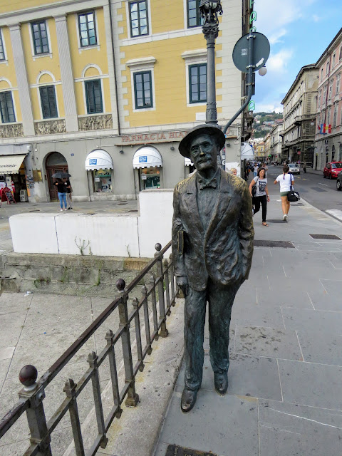 Trieste Points of Interest: James Joyce statue