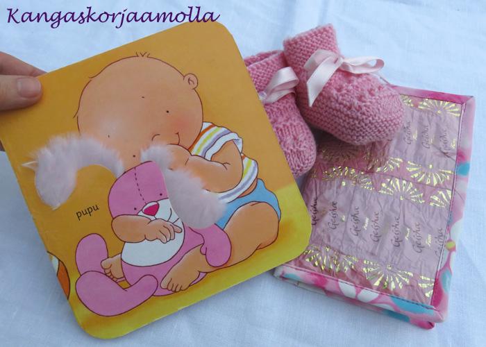 onnittelukortti vauvakirjan sivusta
