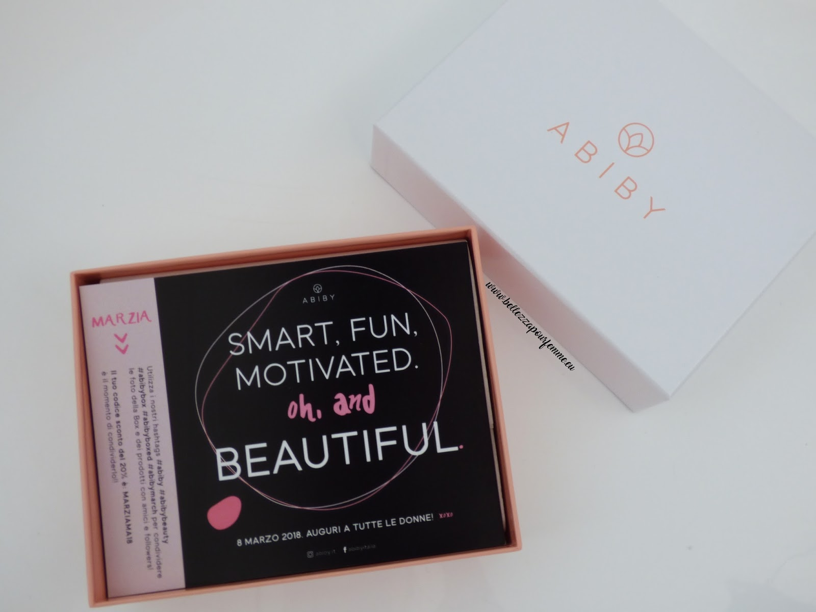 Smart, fun, motivated. Oh, and beautiful è la box di Marzo Abiby!