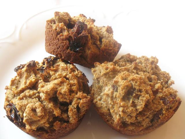 gluten-free applesauce raisin muffins