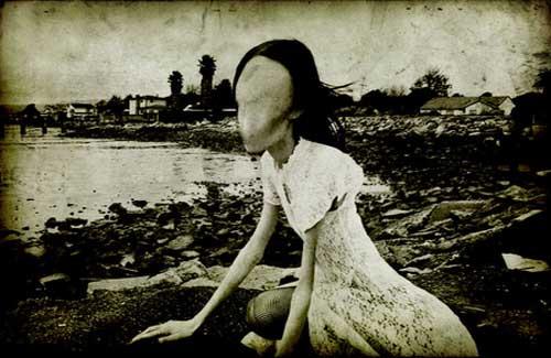 setan tanpa wajah Ketika Hantu Jepang Bertemu Hantu Toilet, Mana yang Paling Seram?