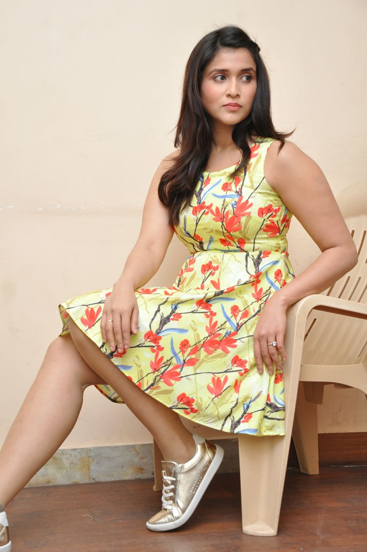 Jakkanna fame Mannara Chopra photos gallery-HQ-Photo-15