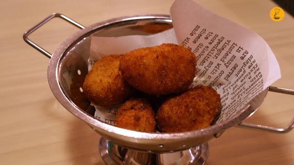 Croquetas de jamón y gambas (5€ tapa) Treze bar y restaurante Madrid