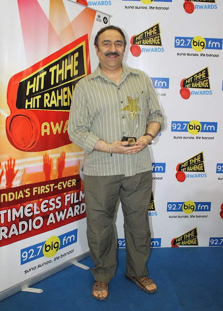 Music Producer Sanjeev kohli received the 'Hit Thhe Hit Rahenge'  'Best Song' Award for Lag Ja Gale feliciated to his father late Mr. Madan Mohan