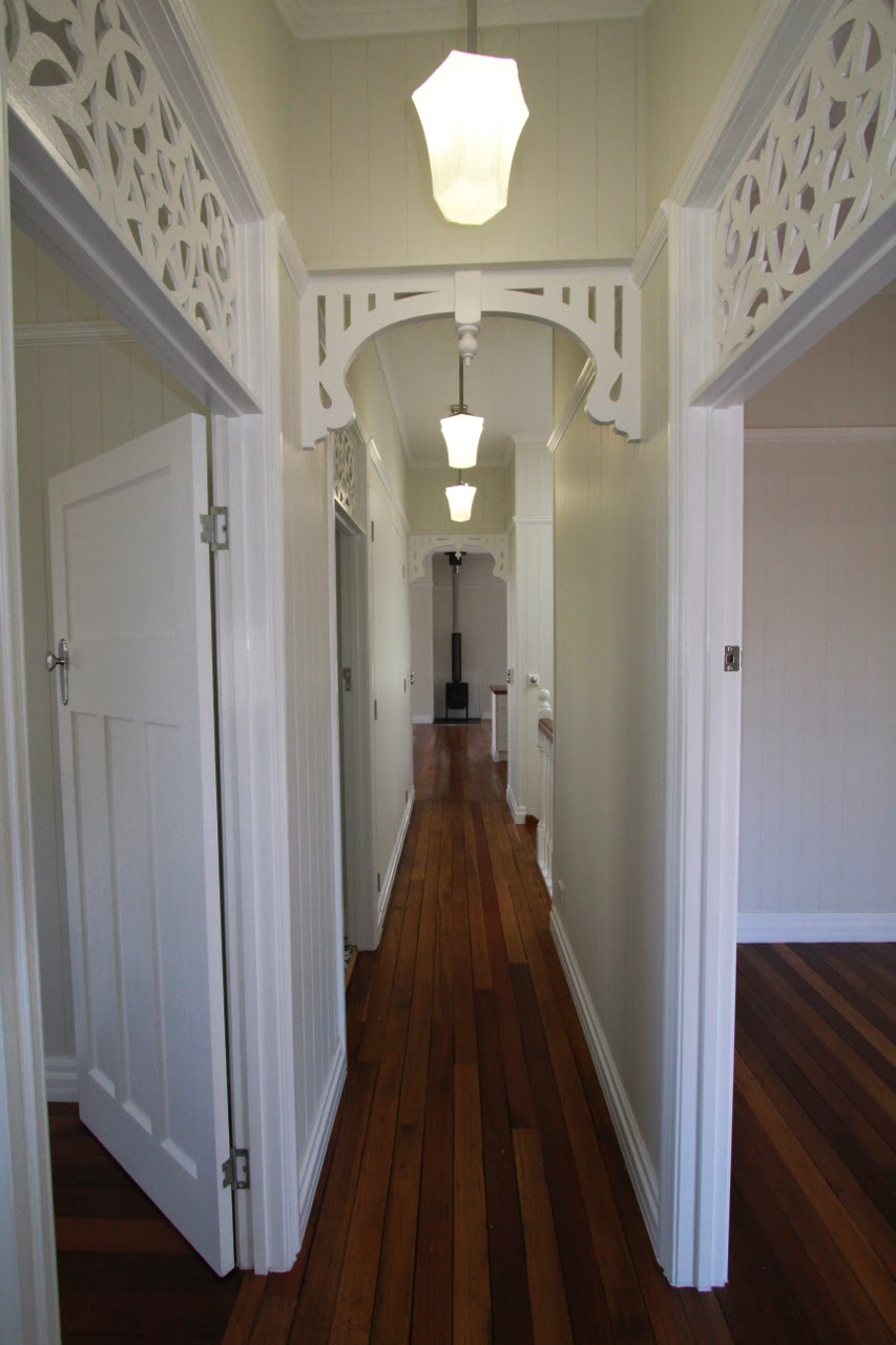 Renovating a Queenslander: Mouldings - Picture rails ...