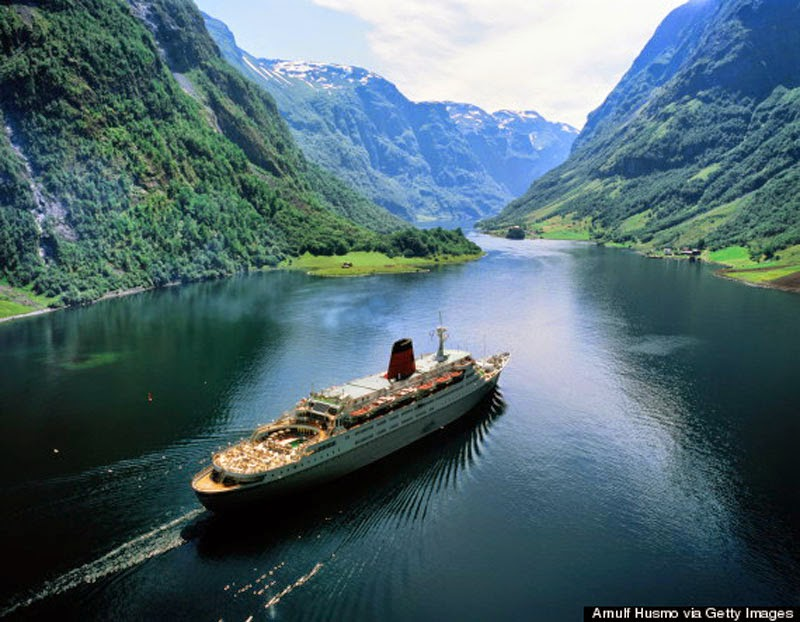 5. Its Breathtaking Fjords - 10 Reasons Norway is the Greatest Place on Earth