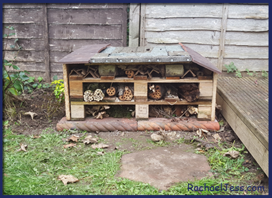 Pallet Craft - Using pallets to create a bug Hotel