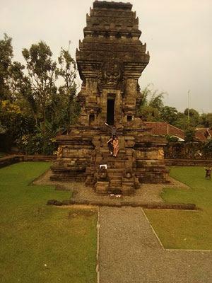 Menyusuri Jejak Sejarah Singhasari di Candi Kidal, Tumpang, Malang
