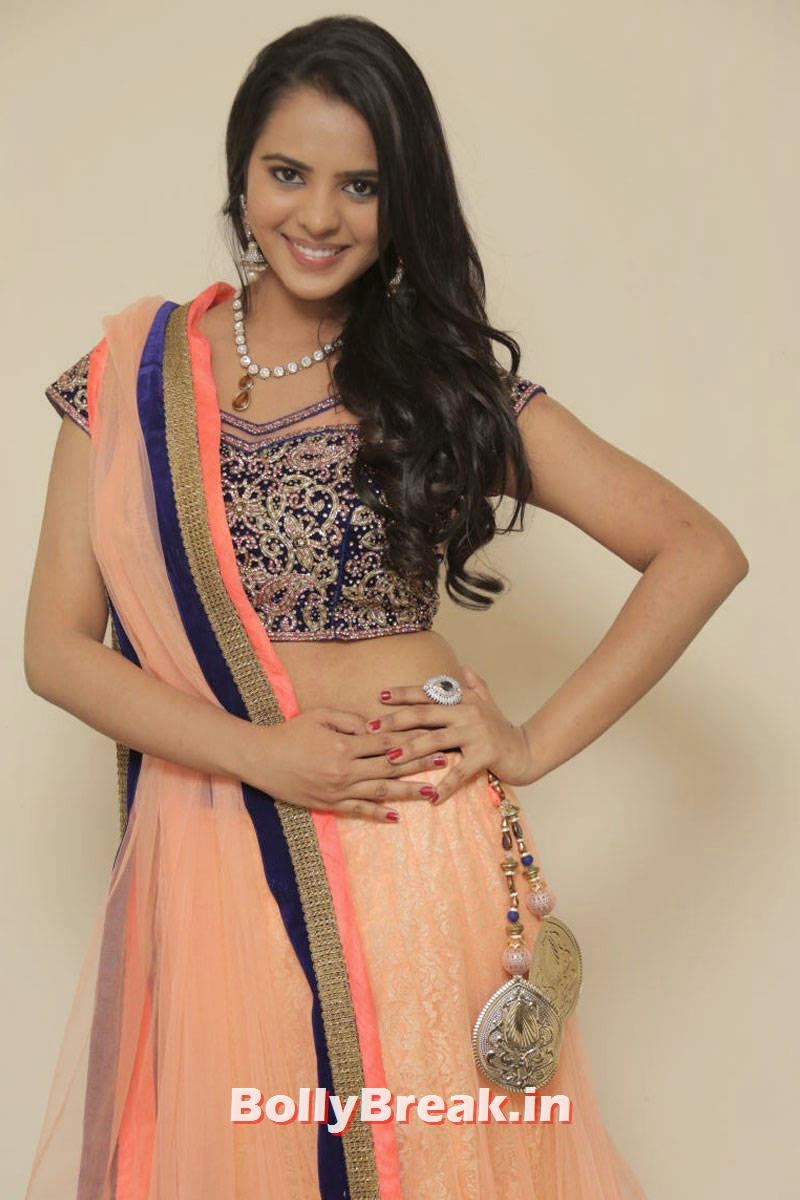 Manasa Pics, Actress Manasa hot Photos in Backless Choli & Lehenga