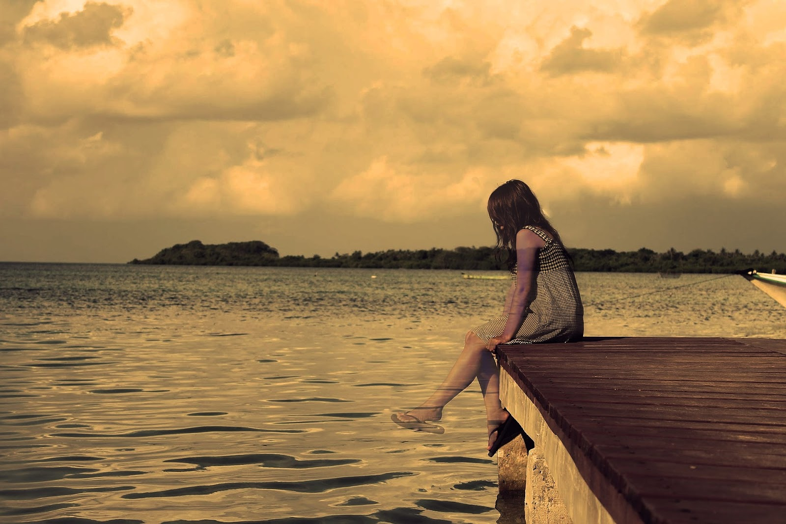 Lonely girl images the new beautiful lonely girl images with hd wallpaper background download lonely girl and very sad girls photo free download