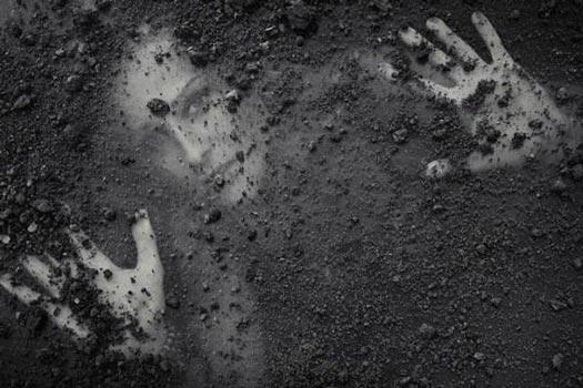 (Manusia Ajaib yang Masih Selamat Meski Dikubur Hidup-hidup)