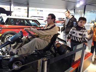 Yo con el simulador, BMW Welt.