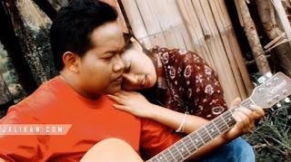 Lirik, Video dan MP3 Lagu Untuk Sebuah Cinta Deta