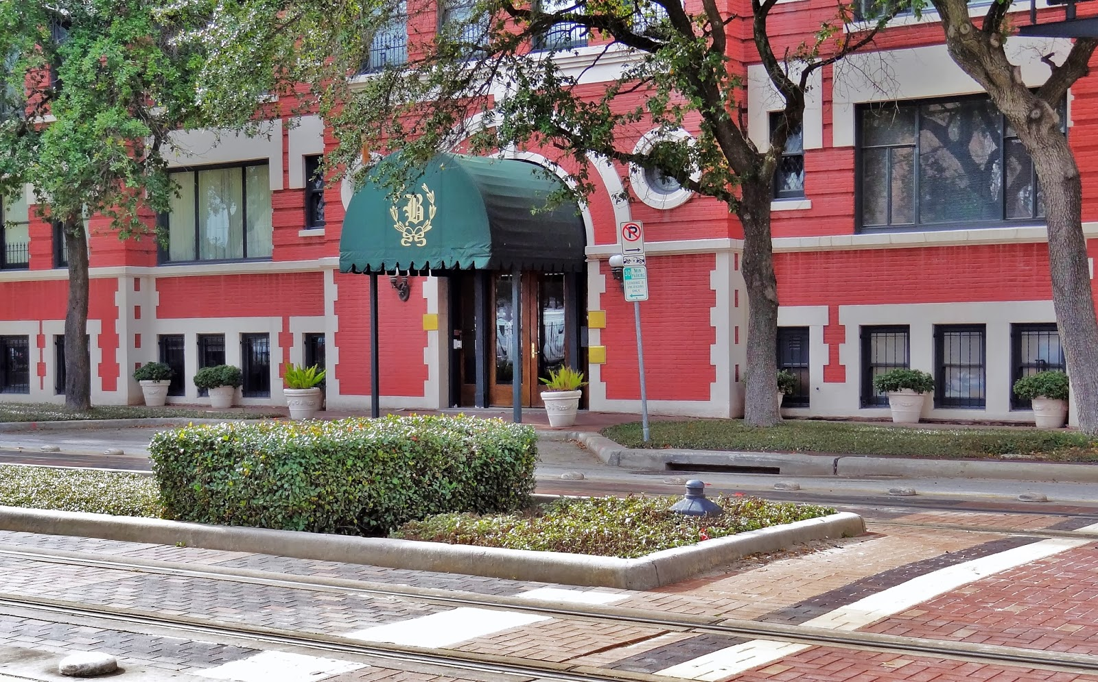 The Beaconsfield 1700 Main Street, Houston, Texas, Downtown 77002