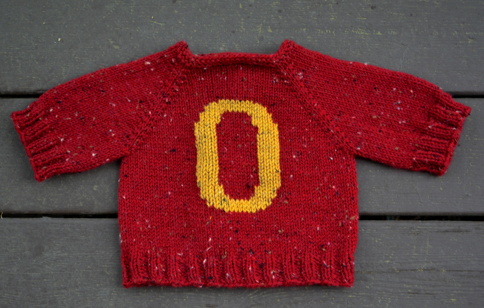 cozy birdhouse | a weasley sweater for baby oliver