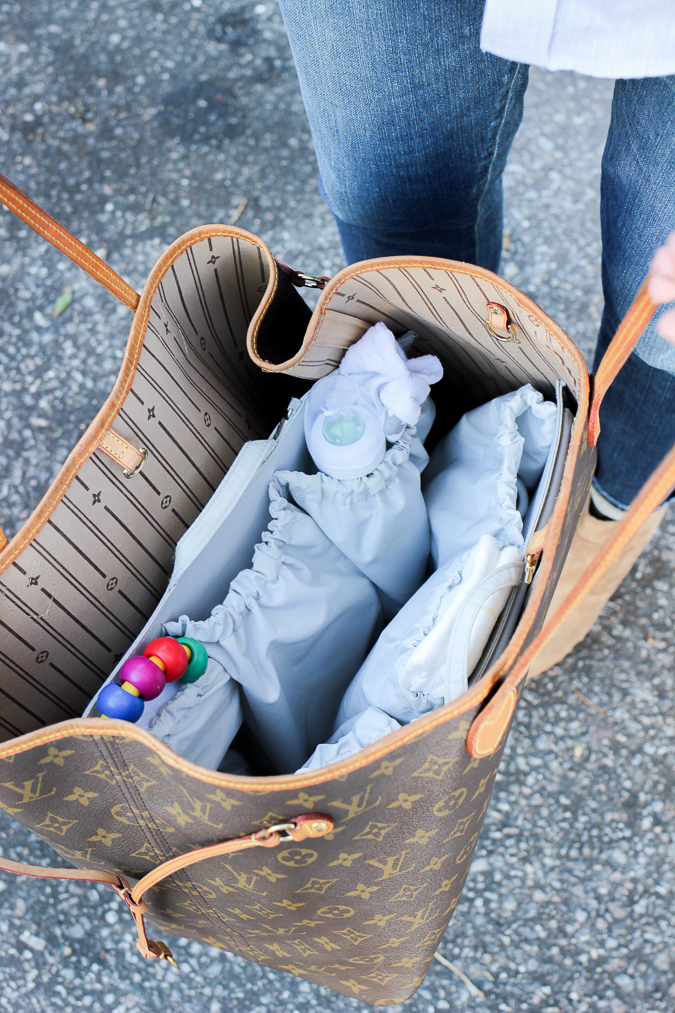 e0f6037bf8fe This ToteSavvy organizer has been a huge lifesaver for me. I don t own a  diaper bag