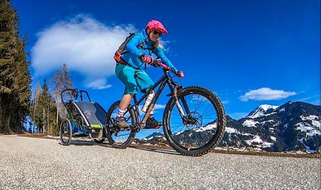 Downhill Kinderanhänger Fahrrad Test