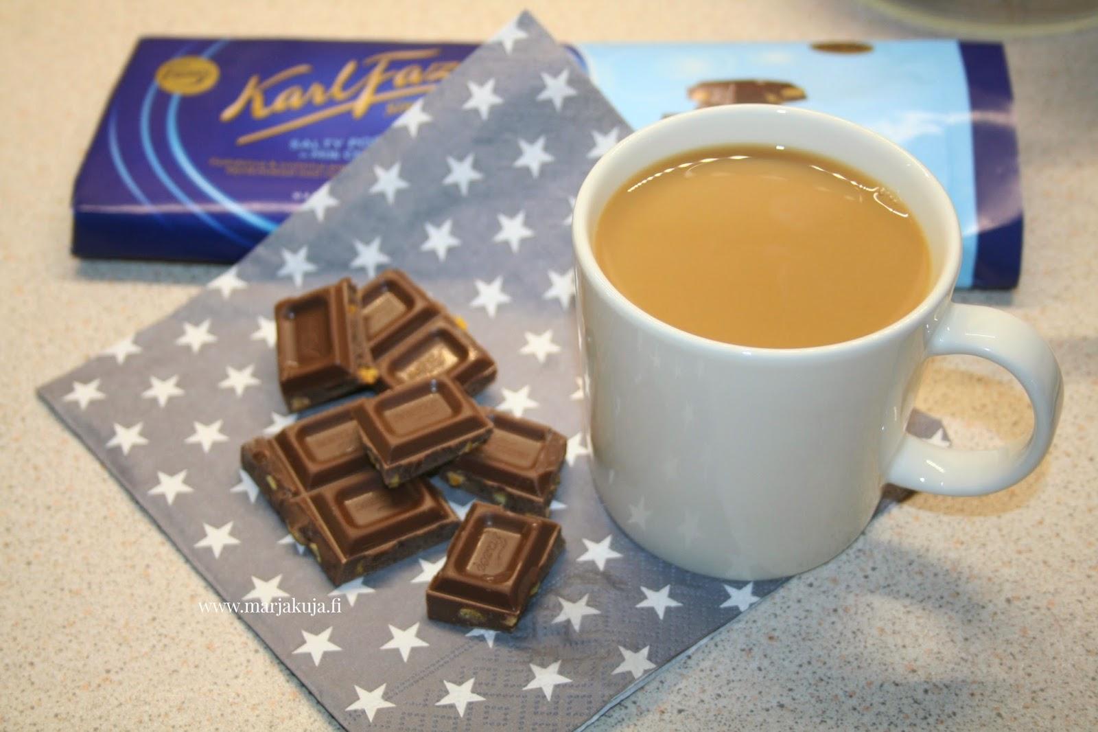 fazer sininen suklaa kahvin kanssa