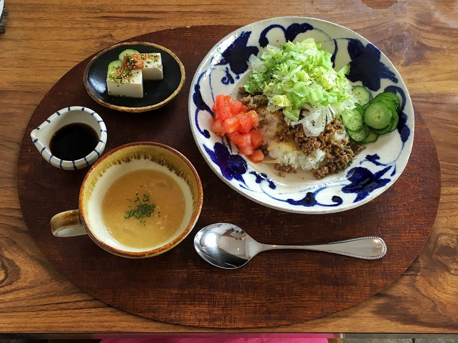 わわcafE, わわ cafE, wawa cafe, wawacafe, okinawa, japan, taco rice, wawa rice,