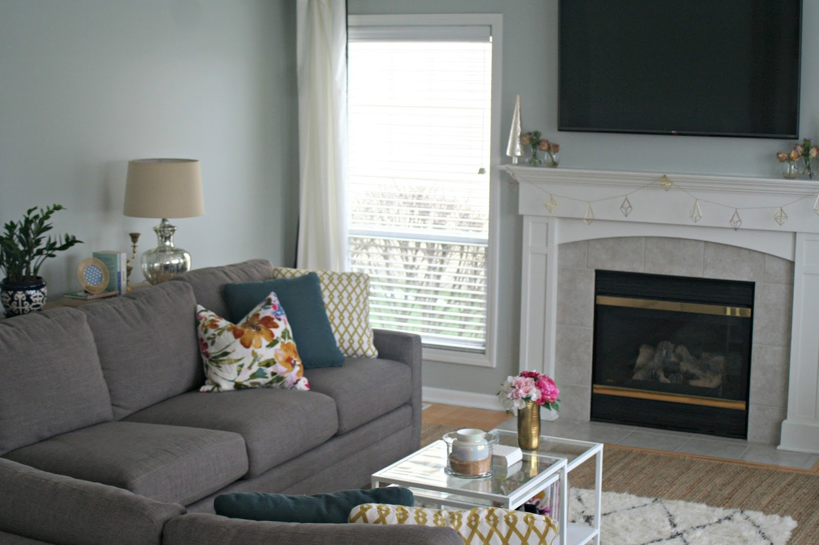 Chic And Glam Home With Textures Patters In Sherwin Williams Silver Strand
