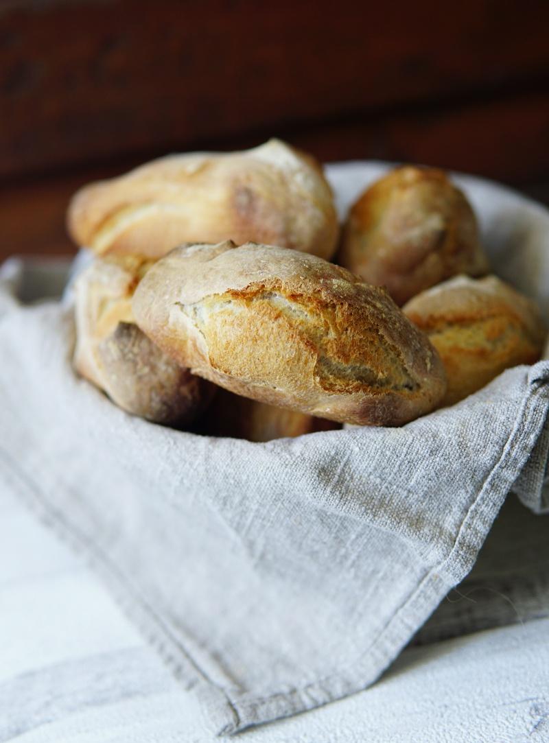 Itse-leivottu-leipä