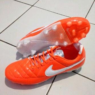 best website 976e5 fa000 ... clearance sepatu bola nike tiempo v legend 02458 b608b ...