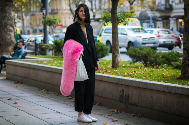 pink faux fur stole, ootd, outfit post, fashion blogger, pinterst